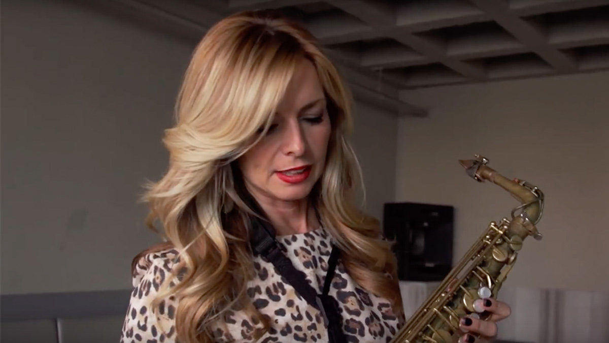 Candy Dulfer taks about her Free Wind alto saxophone
