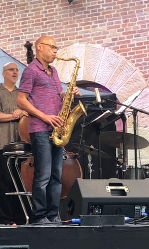 Joshua Redman playing the Amsterdam Winds tenor